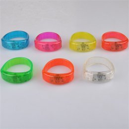 Wholesale Led Flashing Bracelet Music Activated Button Control Light Up Bangle Wristband Club Party Bar Cheer Luminous Hand Ring gl Z
