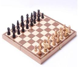 Vente en gros Pliant en bois International Échecs Ensemble Ensemble de jeux de société Jeu Funny Game Chessmen Collection Portable Jeu de cartes portables