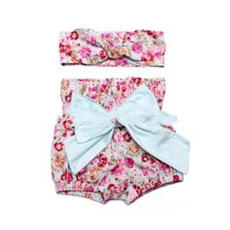 $enCountryForm.capitalKeyWord NZ - Fashion New Cute Baby Girls Shorts Girl Floral PP Short Pants Sets Children 2pcs Clothing Sets Hot Shorts +Bowknot Headband Y812