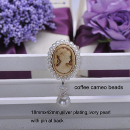 Wholesale S0111 mmx42mm wedding rhinestone brooch for invitation card silver plating cameo beads with pin at back