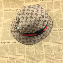 Fashion Designer Leather Letter Bucket Hat For Mens Womens Foldable Caps  Black Fisherman Beach Sun Visor Sale Folding Man Bowler Cap d472ee281e61