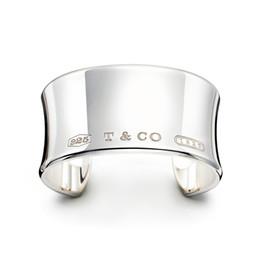 $enCountryForm.capitalKeyWord NZ - High Quality Celebrity design Silverware Silver Chain bracelet Women Letter Clover Wide bracelets Jewelry With dust bag Box