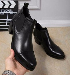 6e45aacc3c770 Eunice Choo Genuíno Couro Chunky Heels Chelsea Tênis Ankle Boots  Deslizamento Em Sapatos De Couro Liso Formal Preto Botas Masculinas