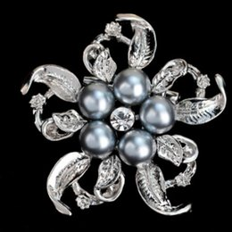 $enCountryForm.capitalKeyWord UK - LNRRABC Women Flower Brooches Simulated Pearl Rhinestones Fashion Charms For Women Bijoux Bijouterie Bridal Jewelry