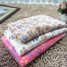 Wholesale dog blanket pet throws pet Flannel blanket Super Soft Fluffy Premium Fleece Dog paw print Blankets Puppy Cat 3 colors