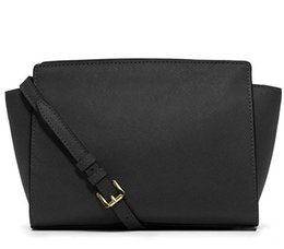 China Free shipping 2018 brand fashion luxury designer bags single shoulder wings package simple handbag ladies diagonal chain bag cheap small packages suppliers