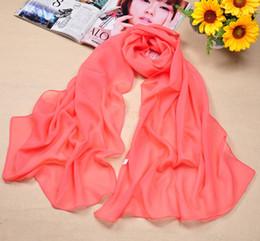 Vente en gros Foulards en soie de mousseline de soie des femmes de la mode solide écran solaire crème wrap sauvage foulard de plage pas cher longue écharpe sciarpe
