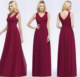 12f1aba0161 Summer Beach Bohemian Burgundy Bridesmaid Dresses 2018 Country Style V-Neck  Backless Pleated Wedding Guests Dress Chiffon Party Gowns CPS870