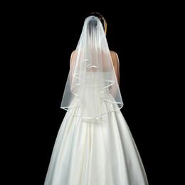 7424fe3b28 Dos capas de tul velos nupciales cortos 2018 Venta caliente barato de la  boda nupcial accesorio para vestidos de boda barato de la boda en stock