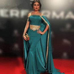 $enCountryForm.capitalKeyWord NZ - 2017 New Hunter Green Gold Beaded Lace Mermaid Evening Dresses satin Prom Gowns with Cloak Long Dubai Arabic Long Party Pageant