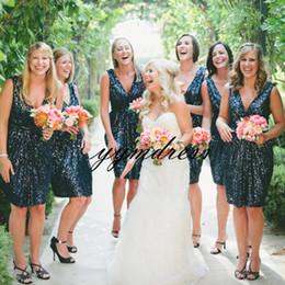olive wedding bridesmaid dresses Canada - Navy Blue Bridesmaid Dresses Western Country Style V-Neck Backless Short Beach Wedding Party Guest Cocktail Dresses Sparkling Sequins