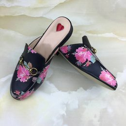 Sh Fashion Canada - 2018 Br8152 slippers women genuine leather Mules Flat Mules shoes Metal Chain Casual Shoes Loafers Fashion Outdoor Slippers Ladies Summer Sh