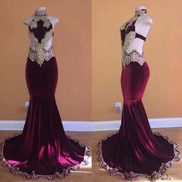 Velvet Chic Canada - Chic Velvet Mermaid Evening Dresses Halter Cutaway Sides Sweep Train Party Gown Gold Lace Appliques Black Girls Prom Skirts