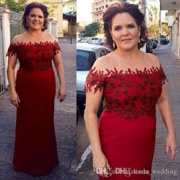 Vintage Lace Mother Bride Canada - 2018 Lace Mother of the Bride Dresses Vintage Red Sheer Neck Formal Godmother Evening Wedding Party Guests Gown Plus Size Custom Made
