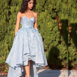 Sweethearts Ball Australia - Petals Applique High-Low Prom Dresses Sweetheart Sleeveless Beads Lace Ball Gown Party Dress Glamorous Saudi Arabia 2018 Prom Dresses