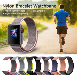 Vente en gros Bracelet montre ajustable en nylon tissé avec bande de boucle de sport avec connecteur pour Apple Watch Série iWatch 1 2 3 38mm / 42mm