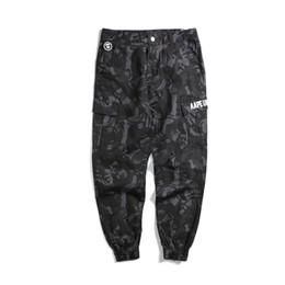 Venta al por mayor de Venta de estilo de marca de cremallera lateral hombres fit casual para hombre hip hop jogger biker pantalones pantalones de chándal pantalones tamaño oliva M-3XL 666