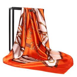 Бренд шарф для женщин 2018 Весна письмо шаблон роскошные бренды дизайнер шарфы 100% шелк длинные шарфы размер 90x90 см топ Qualtiy