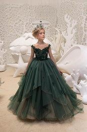 Discount evening gowns kids - 2018 Dark Green Girls Pageant Dresses for Party Tulle Ball Gowns Lace Appliques Champagne Lining Elegant Beautiful Kids