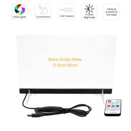 RVB LED Acrylique Edge Lit Signe IR Télécommande Pendante Blanc Signe Acrylique Restaurant Hôtel DC 5 V USB Alimenté En Gros Livraison Gratuite en Solde