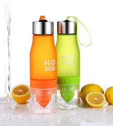 Fruit inFusion bottles online shopping - Xmas Gift ml My Water Bottle H2O Plastic Fruit Infusion Bottle Infuser Drink Outdoor Sports Juice lemon Portable Water Bootle