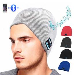 Casque sans fil Bluetooth musique chapeau Smart Caps casque écouteur bonnets chaud chapeau d'hiver avec haut-parleur micro pour le sport en Solde