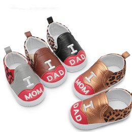 $enCountryForm.capitalKeyWord NZ - LOVE MOM DAD Crib Shoe Baby Boy Toddler Girls Boys Shoes Infant First Walkers Sneakers PU Leopard Print Elastic Band Shallow