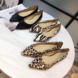 dfa3f4b56 2018 novo design de luxo da marca lady cavalo cabelo apontou toe loafers de  alta qualidade mulheres planas único sapatos de salto baixo lazer vestido  shoea