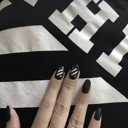 $enCountryForm.capitalKeyWord NZ - 24PCS set Sexy black stripe finished False nails,Small round head Middle-long full nail tips lady bride finger art tool
