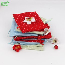 Discount cotton pulp - 40pcs 11.5x9.5 cm Colored Dot Pattern Drawstring Gift Bag Pearl Cotton Cloth Jewelry Pouch Bag Wedding Favors Charms Fes