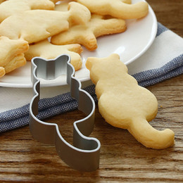 metal baking shapes Canada - New Cat Shaped Aluminium Mold Sugarcraft Cake Cookies Pastry Baking Cutter Mould biscuit mould cookie cutter