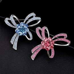 wholesale rhinestone brooches Australia - Austrian Crystal Brooches For Women Brand Designer Bowknot Brooch Rhinestone Christmas Gifts Wedding Boutonniere Pins Jewelry Wholesale