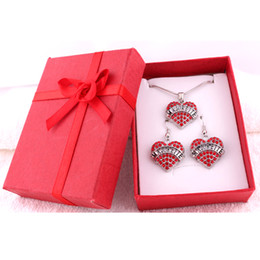 $enCountryForm.capitalKeyWord NZ - Fashion Rhodium Plated Zinc Studded With Sparkling Crystals MAJORETTE Love Heart Pendant Earring Necklace Set With Gift Box Jewelry