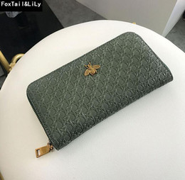 Wholesale Factory direct selling women bag retro woven long wallet personalized hollowed out brand wallet fashion Embossed Leather Womens Wallet