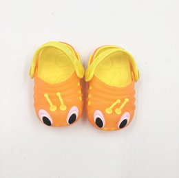 CroChet baby slippers online shopping - 2019 Children s cool sandals summer caterpillar shoes men and women children s shoes baby flashing lights sandals hole slippers su
