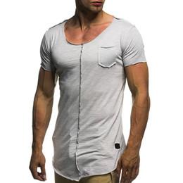 48b62438a3 2018 Verão Top New Desenhada dos homens Patch Mangas Curtas T shirt Rodada  Hem O Pescoço Fino Fit Top Tees Camisa de Bolso No Peito Tamanho Grande