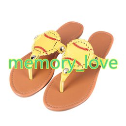 0f28ca94e 2018 New 3styles Personalized Fashion Sports Baseball Football flip flop  Slippers Sandals Womens Beach sports Slippers