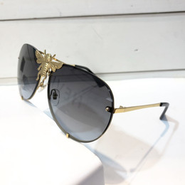 Designer shielD sunglasses online shopping - Luxury Brand Designer Sunglasses Men Women Popular Fashion Big Summer Style With The Bees Top Quality UV Protection Lens Come With Case