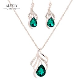 Gold necklace desiGns for ladies online shopping - New fashion jewelry set gold color leaf design crystal drop pendant necklace earring Top quality gift for women ladies S702