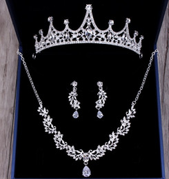 $enCountryForm.capitalKeyWord NZ - New style hot sell bridal jewelry fashion diamond alloy three-piece necklace crown bridesmaid dress wedding accessories shuoshuo6588