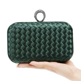 $enCountryForm.capitalKeyWord Canada - Finger Ring Knitted Weave Diamonds Women Evening Bags Handbags Party Wedding Purse Bag Candy Color Small Day Clutches