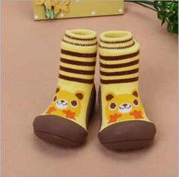 New Design Boy Kids Shoe Australia - 2017 New Attipas Same Design Shoes Baby Girl Boy Shoes Newborn Baby Moccasins Enfant Socks Rubber Sole Kids Boots