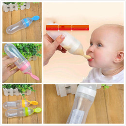 Wholesale Baby Rice Paste Eating Training Silicone Bottle with Spoon Children's Complementary Food Squeeze Bottle Rice Paste Spoon 90ml 5 Colors
