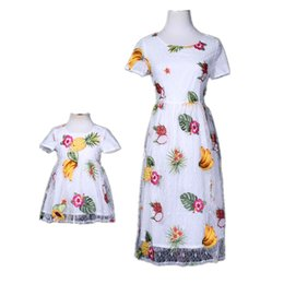 $enCountryForm.capitalKeyWord UK - Mom Girls Dress Mother Daughter Fruit Embroidery Dresses 2018 Summer Kids Girls Lace Dress Women Party Dress Family Match Clothing D871