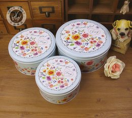 Box Pieces NZ - Round biscuit box tin three-piece set of small flowers pattern beautifully fine first-class first-rate splendidly super gift box