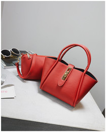 Vente en gros Hot Lady sac à main Nouveau De Luxe En Cuir PU Tassel Sac À Main Composite Sacs Set Lady Épaule Femmes Sac Femme Portefeuille D'embrayage