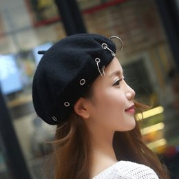 Wholesale Women Korean Style British Ring Cap Beret Hat Iron Hoop England Artist Beanie Hat Autumn Spring Winter Fashion Beret Hats Hot