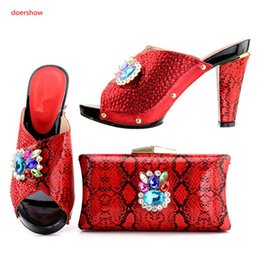 $enCountryForm.capitalKeyWord Canada - Good Sale African Shoes And Bag Set Women Wedding Shoes Dress High pumps Best Quality Shoes And Bag To Match A1-38225