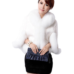 China 2018 High Quality Luxurious Winter Women Faux Fox Fur Coat Wedding Bride Faux Fur Poncho gilet fourrure femme supplier luxurious faux fur coats suppliers