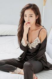 Vente en gros Satin Pyjama pour les femmes dentelle de nuit Femme sexy femmes élégantes pyjamas en soie pyjamas goodd qualité femmes Pijama 3P